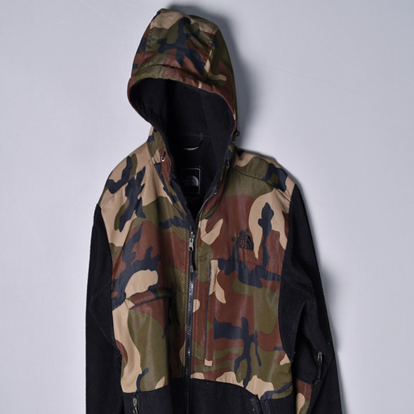 T.N.F Camo hooded denali jacket [S]